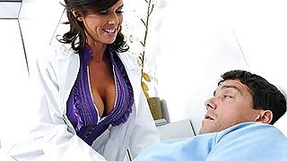 Brunette doctor Veronica Avluv strips...