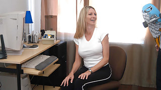 Emma Starr in My Friend's Hot Mom